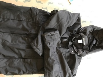 Selling with online payment: Black Stormdri Coat