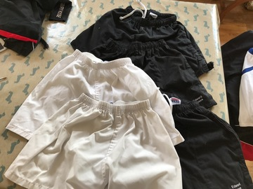 Selling with online payment: sports Shorts bundle - 3 black 2 white