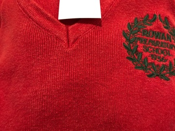 """Selling with online payment: Red crest jumper - 34"""""""