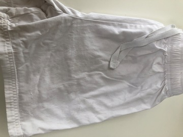 Selling with online payment: White Shorts - Age 13/14