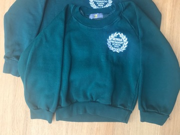 Selling with online payment: Set of two Brae Sweatshirts size 5/6