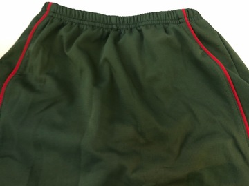 Selling with online payment: Greeen Skort - Age 7/8