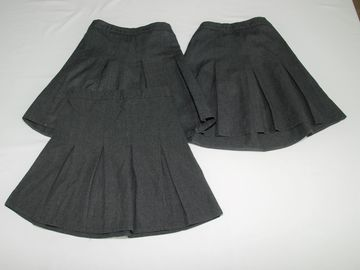 Selling with online payment: Grey Skirts 5-6years 3pack