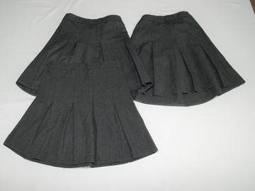 Selling with online payment: Grey Skirts 4-5years 3pack