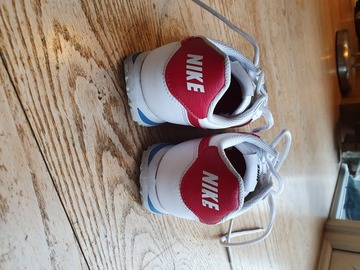 Selling with online payment: Nike Cortez 72 boys trainers