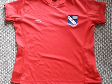 """Selling with online payment: Red Fitness Shirt (girls 38/40"""")"""